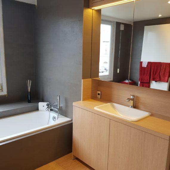badkamer-formica-houtnerf-t-en-t-interieur-exterieur