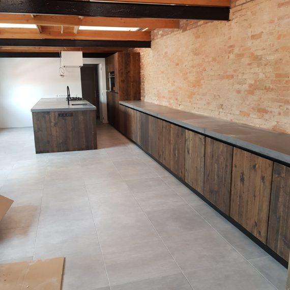 keuken-steigerhout-izegem-t-en-t-interieur-exterieur