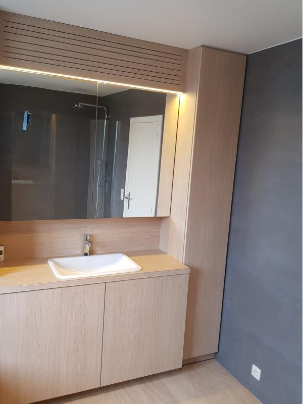 omslagfoto-badkamer-formica-houtnerf