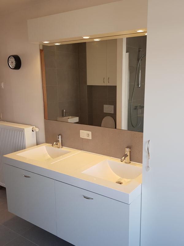 badkamer-formica-wit-t-en-t-interieur-exterieur