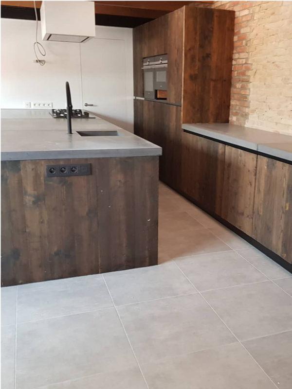omslagfoto-keuken-steigerhout-izegem
